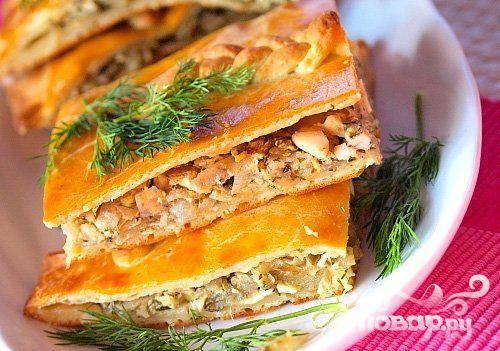 Пироги с лососем и овощами
