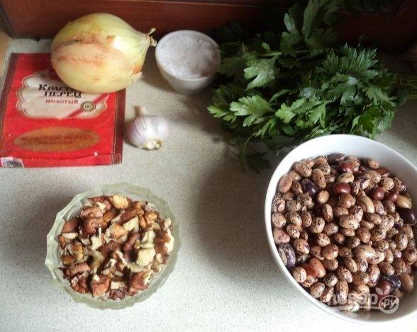 1. Для приготовления этого блюда нужно брать красную фасоль. Есть такие сорта бобовых, которые быстро готовятся. Я взяла именно такую фасоль.