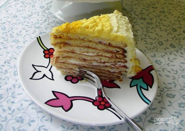 7.Готовый торт отправляю в холодильник на 10-12 часов, а затем уже подаю к столу. Наслаждаемся!