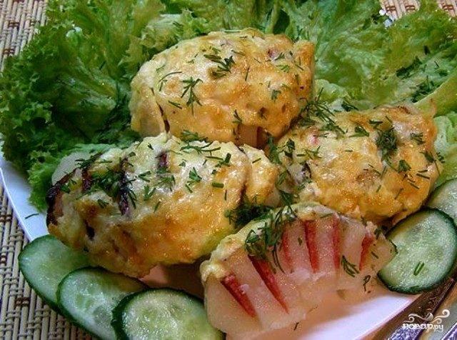 Картошка с колбасой и сыром в духовке