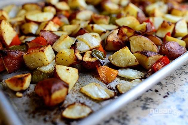 9. Запекайте овощной гарнир в духовке в течение получаса.
