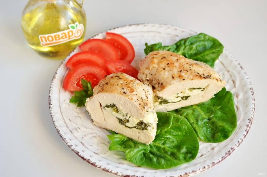 9. Курица со шпинатом готова.
