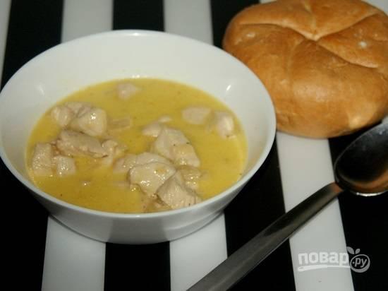 В итоге у нас получается отличное нежное мясо в соусе. Его можно подать с любым гарниром или просто с вкусным хлебушком и овощами.