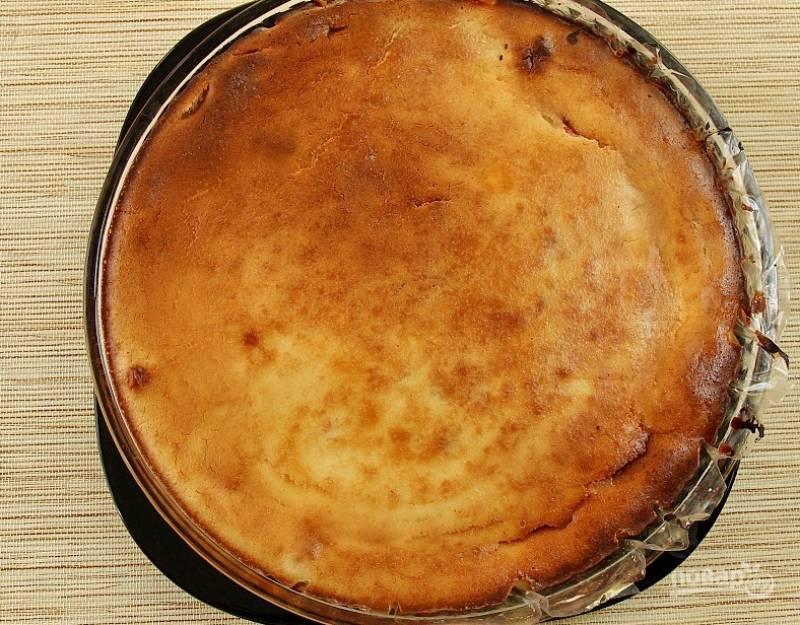 Запекайте торт при 180 градусах в течение 35 минут.