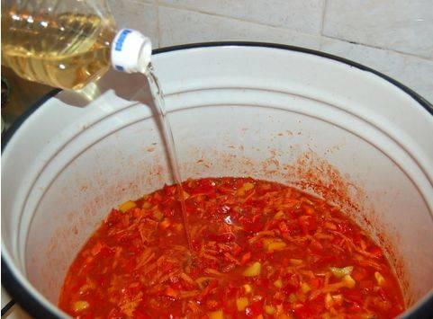 Соль, сахар, масло - после добавления перемешиваем.