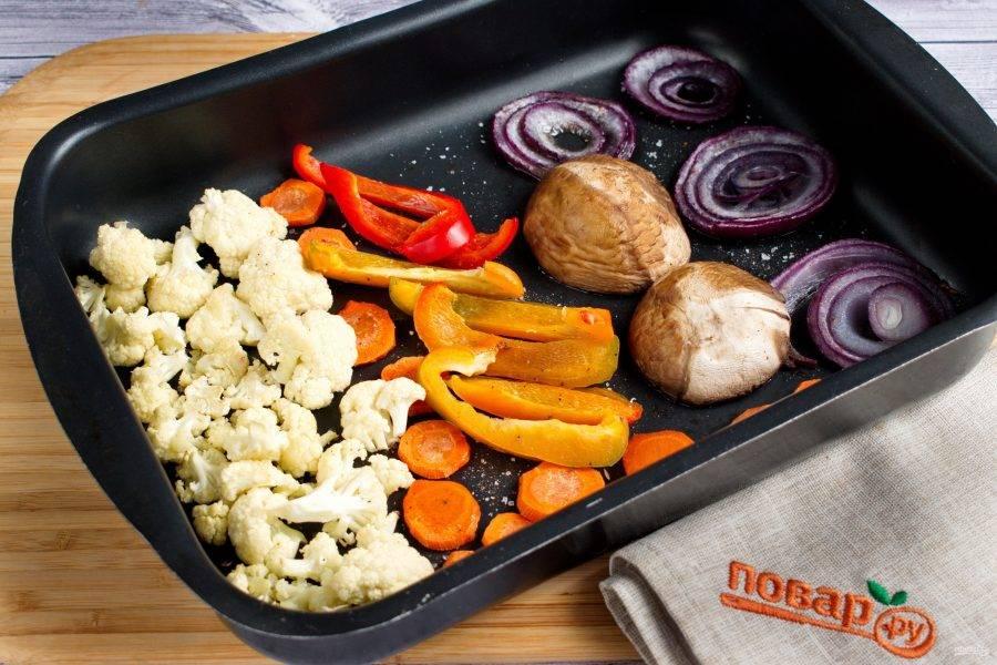 Поставьте запекаться в разогретую до 220ºС (425 ºF)   духовку на 20-25 минут.