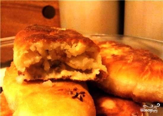 Вот и все - вкуснейшие постные пирожки с картошкой готовы! Приятного аппетита.