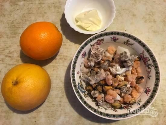 1. Вот такой простой набор ингредиентов нам потребуется для приготовления салата.