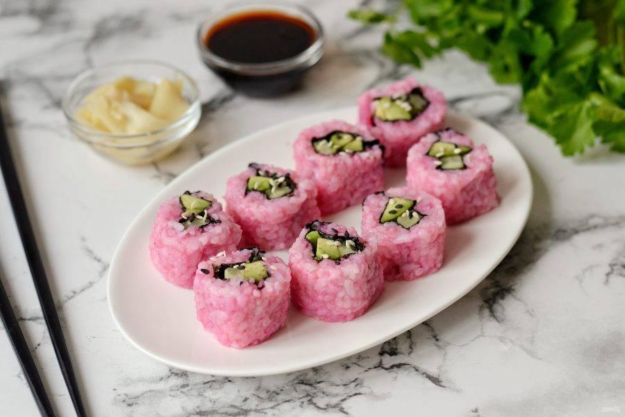 Розовые роллы готовы, приятного вам аппетита!