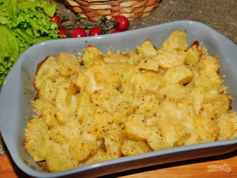 Готовую картошку подавайте в горячем виде. Приятного аппетита!