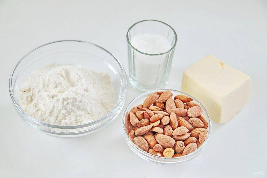 1. Подготовьте все необходимые ингредиенты. Сливочное масло заранее размягчите при комнатной температуре.