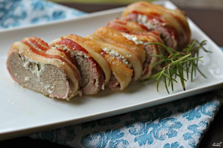 Рулет из свинины с сыром