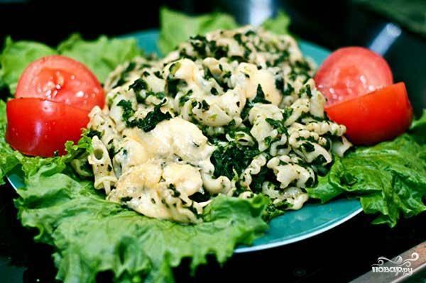 Макароны со шпинатом под сыром