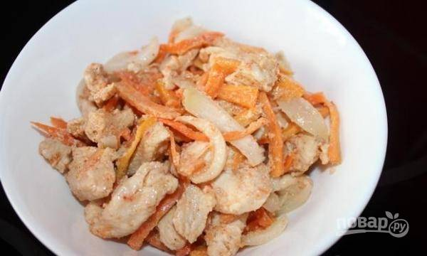 Запекайте блюдо в течение 45 минут при 200 градусах. Приятного аппетита!