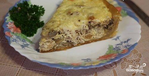 Лоранский пирог с курицей и грибами в мультиварке
