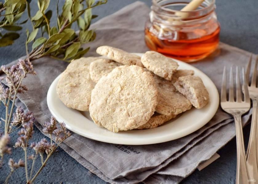 Печенье из зеленой гречки готово, приятного аппетита!