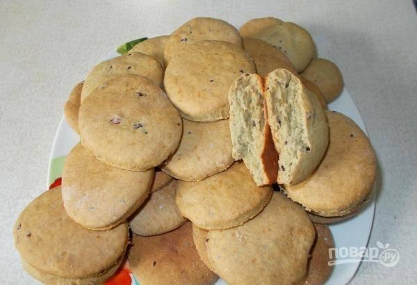 Выпекайте печенье при 200 градусах в духовке в течение 20 минут. Приятного чаепития!