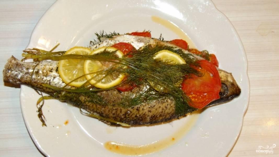 Готового леща в духовке подавайте с картошкой, овощами или просто так, даже без гарнира рыба получается безумно вкусной. Приятного аппетита!