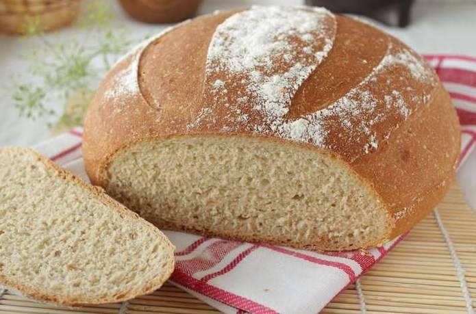 Готовый хлеб на кефире остудить на решетке.  Приятного аппетита!