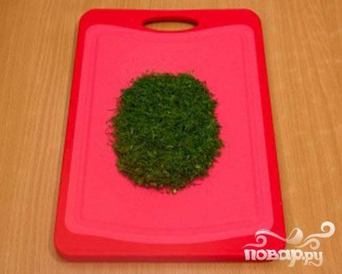5.Теперь надо мелко нарезать зелень.