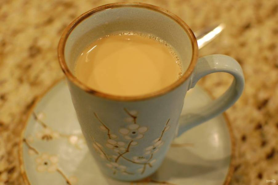 5.По желанию добавьте сахар или мед и подавайте чай.