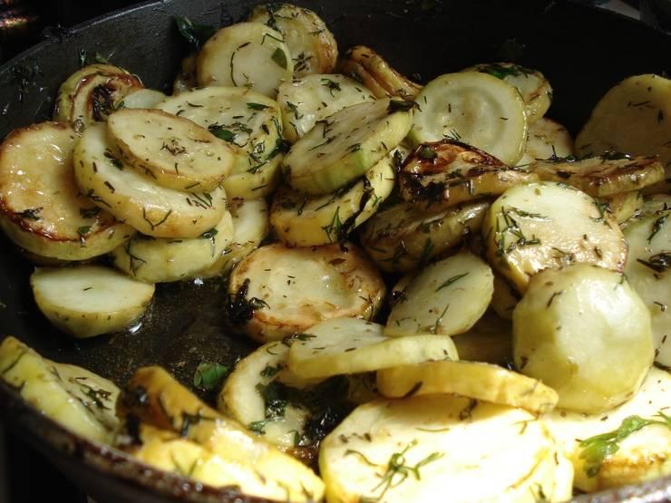 Подготовленные овощи снимите с огня.
