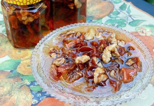 Айвовое варенье с орехами