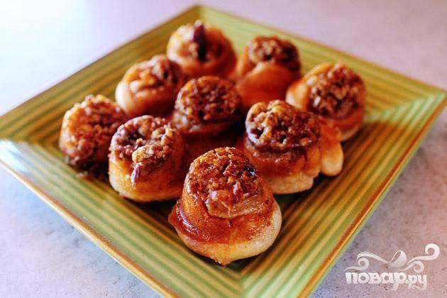 Мини-булочки с орехами