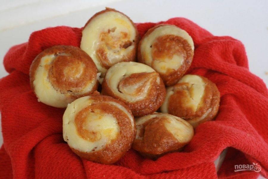13.Подавайте теплые или полностью остывшие кексы.