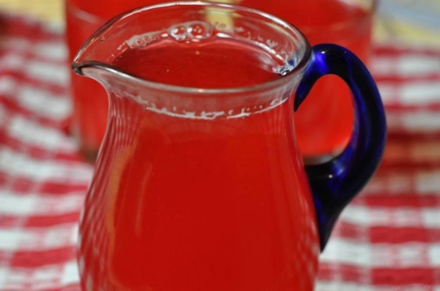3. Отцедим, перельем в кувшин и наслаждаемся солнечным напитком!