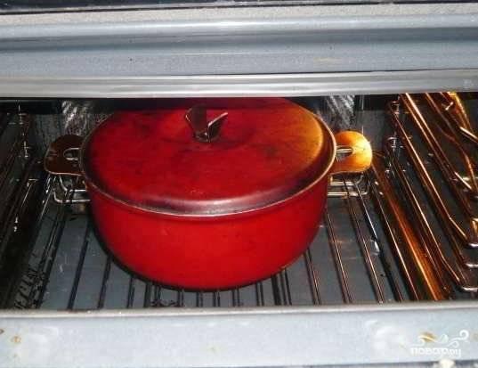 Помещаем форму в разогретую до 180 градусов духовку и готовим в течение 30-40 минут.