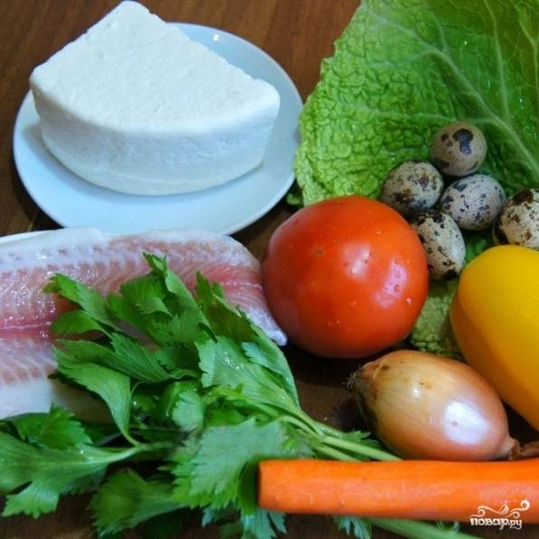 Подготовим ингредиенты - помоем и, если нужно, почистим все овощи, разморозим филе рыбы.