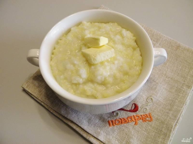 Готовую кашу подавайте горячей с кусочком сливочного масла. Приятного аппетита!