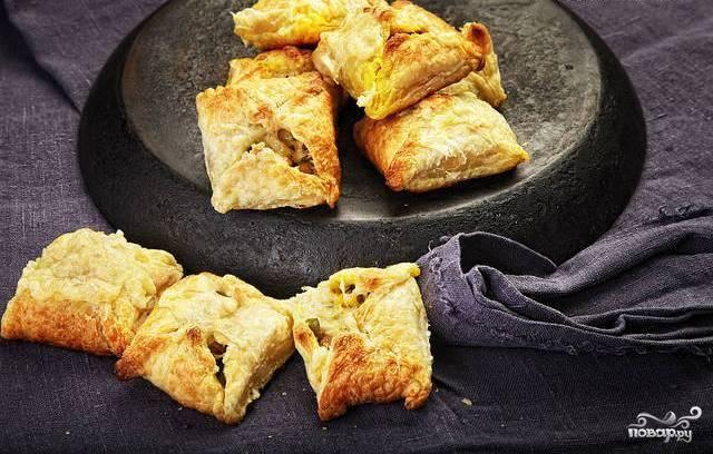 Слоеные пирожки с овощной начинкой