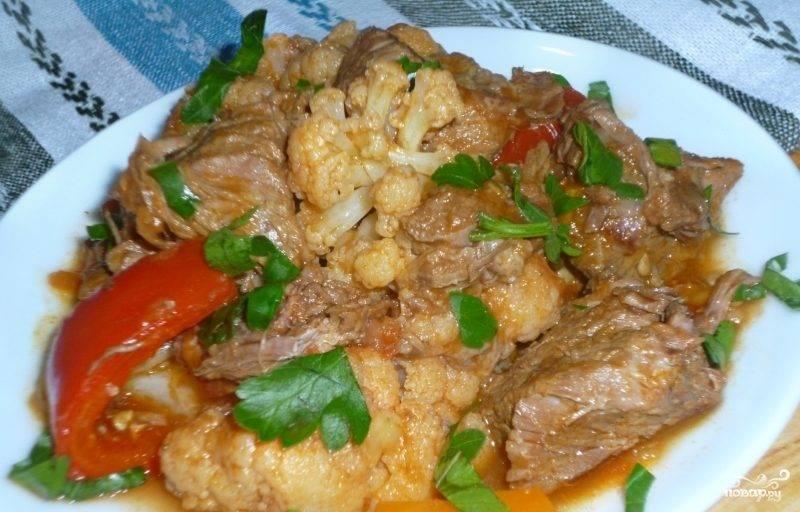 Тушеные овощи с мясом в мультиварке