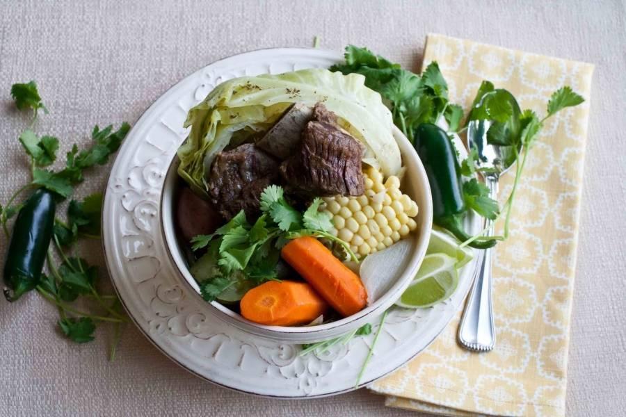 Когда все овощи будут готовы - можно подавать. Вот и готово наше косидо. Ничего сложного. Приятного аппетита!