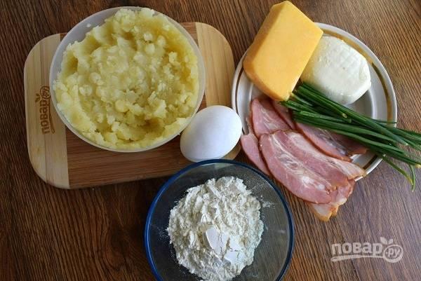 Подготовьте необходимые продукты. Духовку включите на 180 °C.