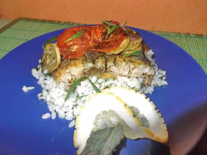 Вот такой ароматный получается у нас пангасиус в фольге. Подаем с рисом. Приятного аппетита!