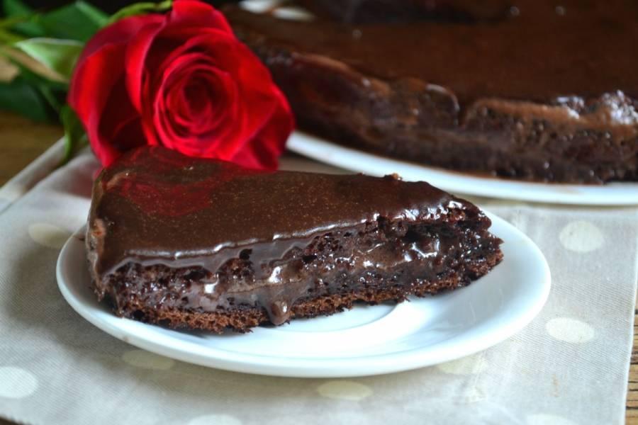 Поставьте торт в холодильник на 1-2 часа. Приятного чаепития!