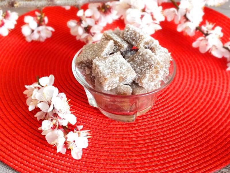 Переложите десерт в вазочку и подавайте.