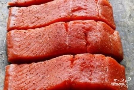 2) Филе необходимо разрезать на порционные кусочки.