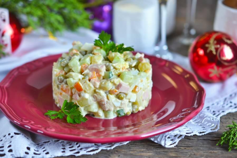 Традиционный новогодний стол: любимые блюда всех времен