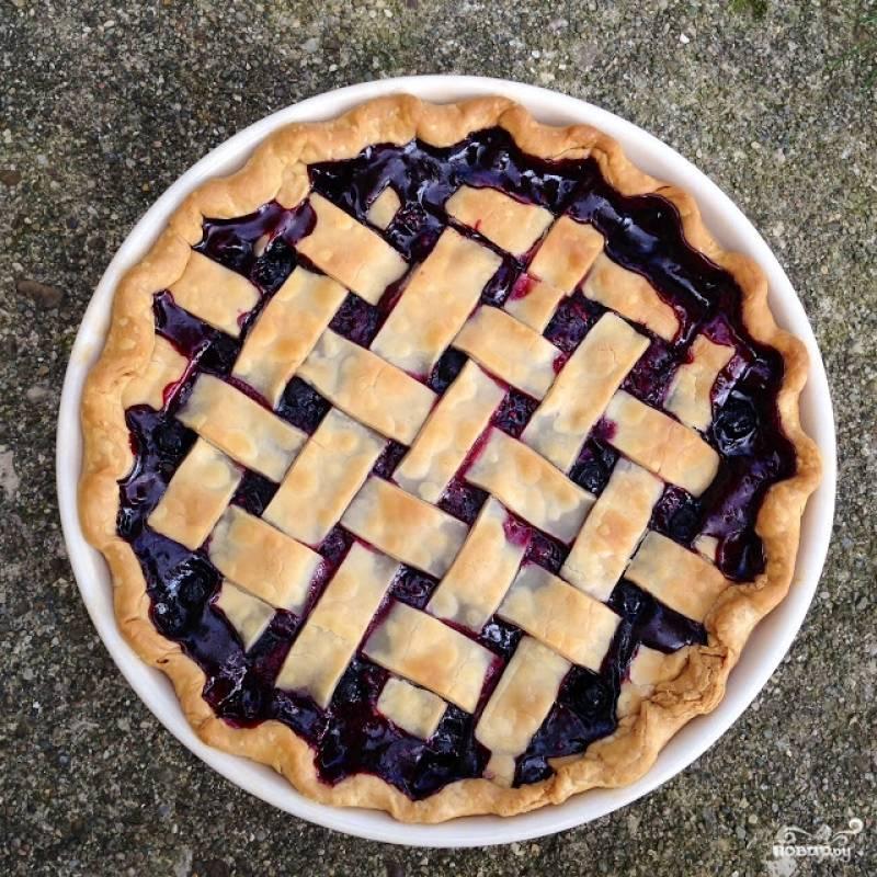 Пирог из дрожжевого теста с ягодами