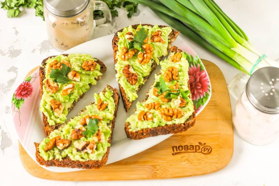 Постные бутерброды с авокадо