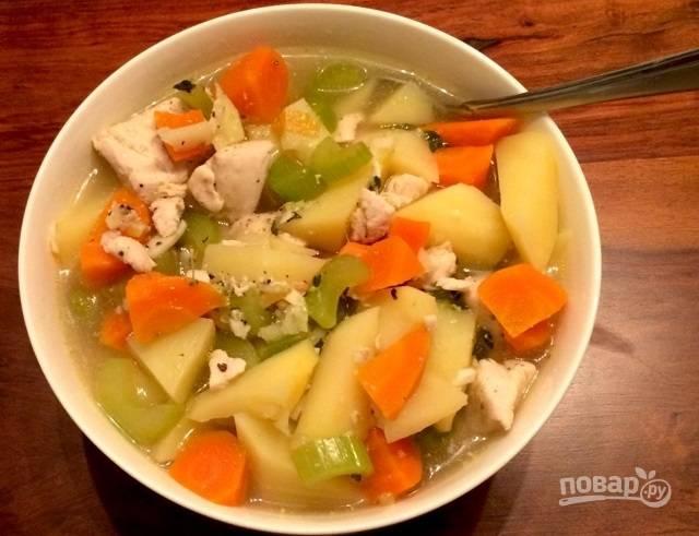 Суп с овощами и куриной грудкой