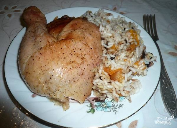 Курица, фаршированная рисом и курагой