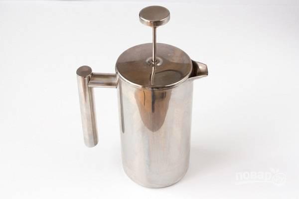 2. Первым делом заварите кофе.