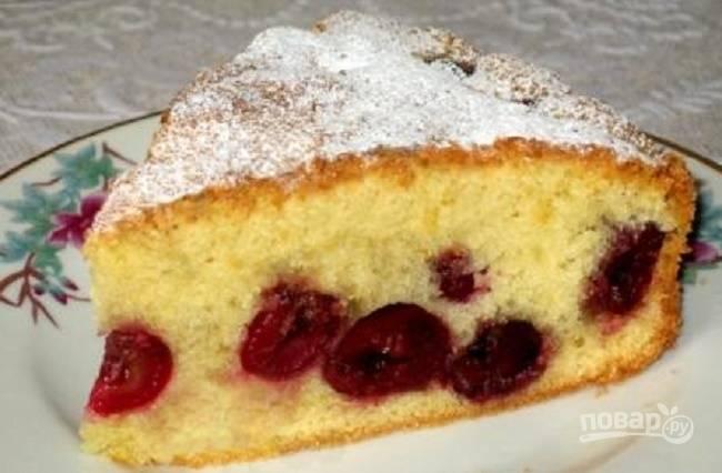 Вишневый пирог простой