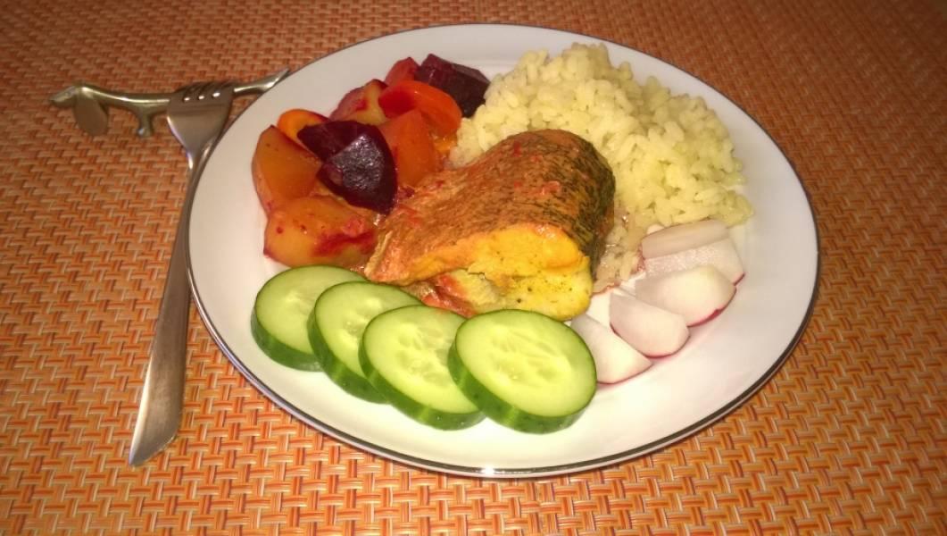 """8. Ваша щука под соусом """"карри"""" готова! К столу ее можно подать только с овощами. А можно добавить и рис, например."""
