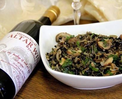 4. Салат готов! Можно его подавать прямо с тем же маслом, в котором жарились грибы!